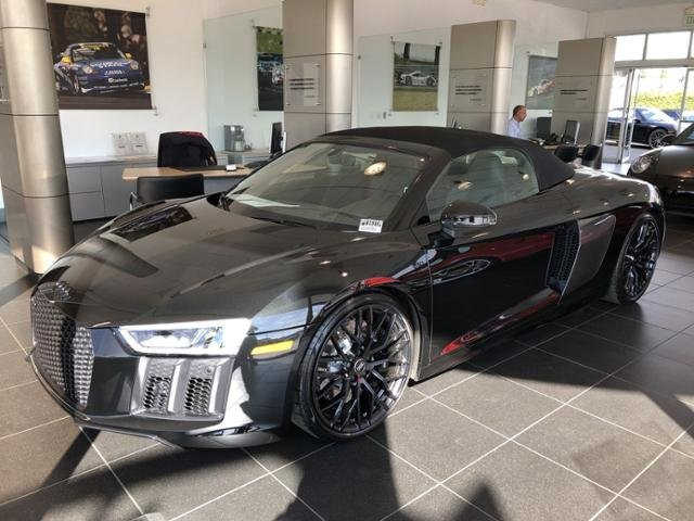 Pre-Owned 2018 Audi R8 Spyder V10 plus